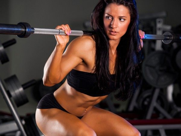 Should I Lose Weight Before Doing Squats? Female Personal Trainer Answers