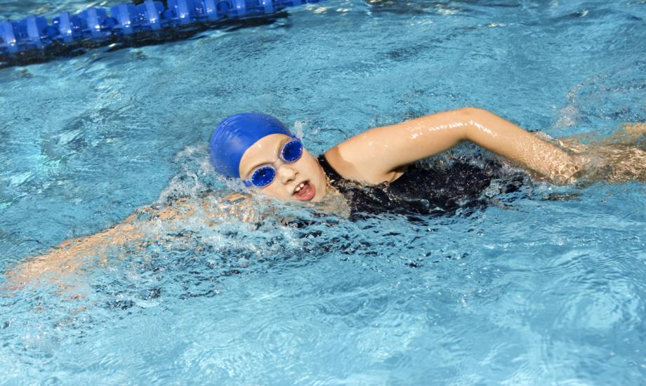 4 Harmful Effects of Swimming on Your Hair and Skin and how to Prevent Them