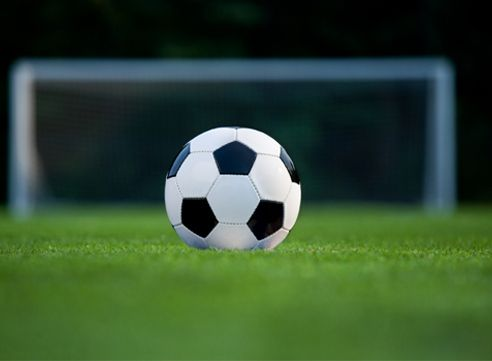 4 Benefits of Soccer for Weight Loss