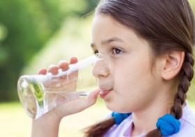 4 Ways to Spot Dehydration in Your Child