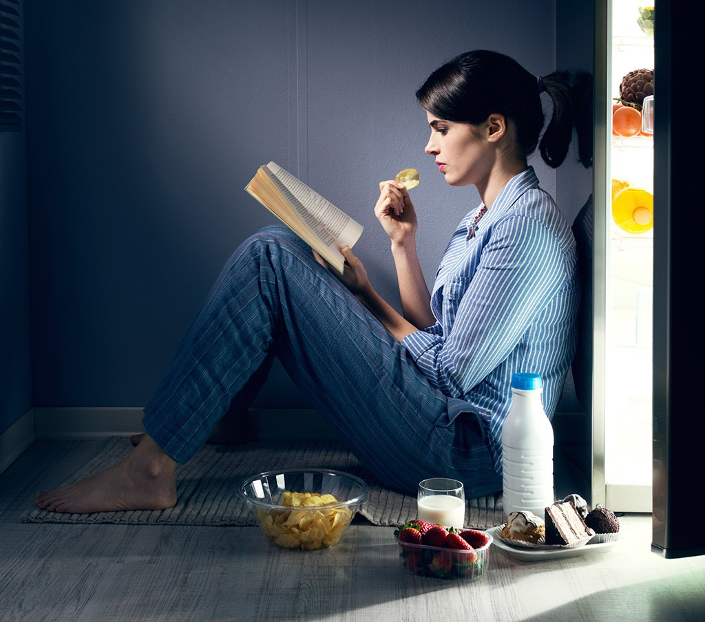 3 Reasons Why Eating Late at Night is Bad For You