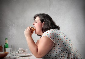 5 Tricks That'll Help You Avoid Overeating