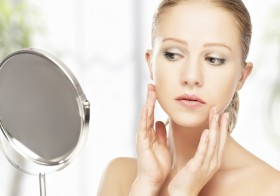 7 Foods That Affect Your Skin Health Negatively