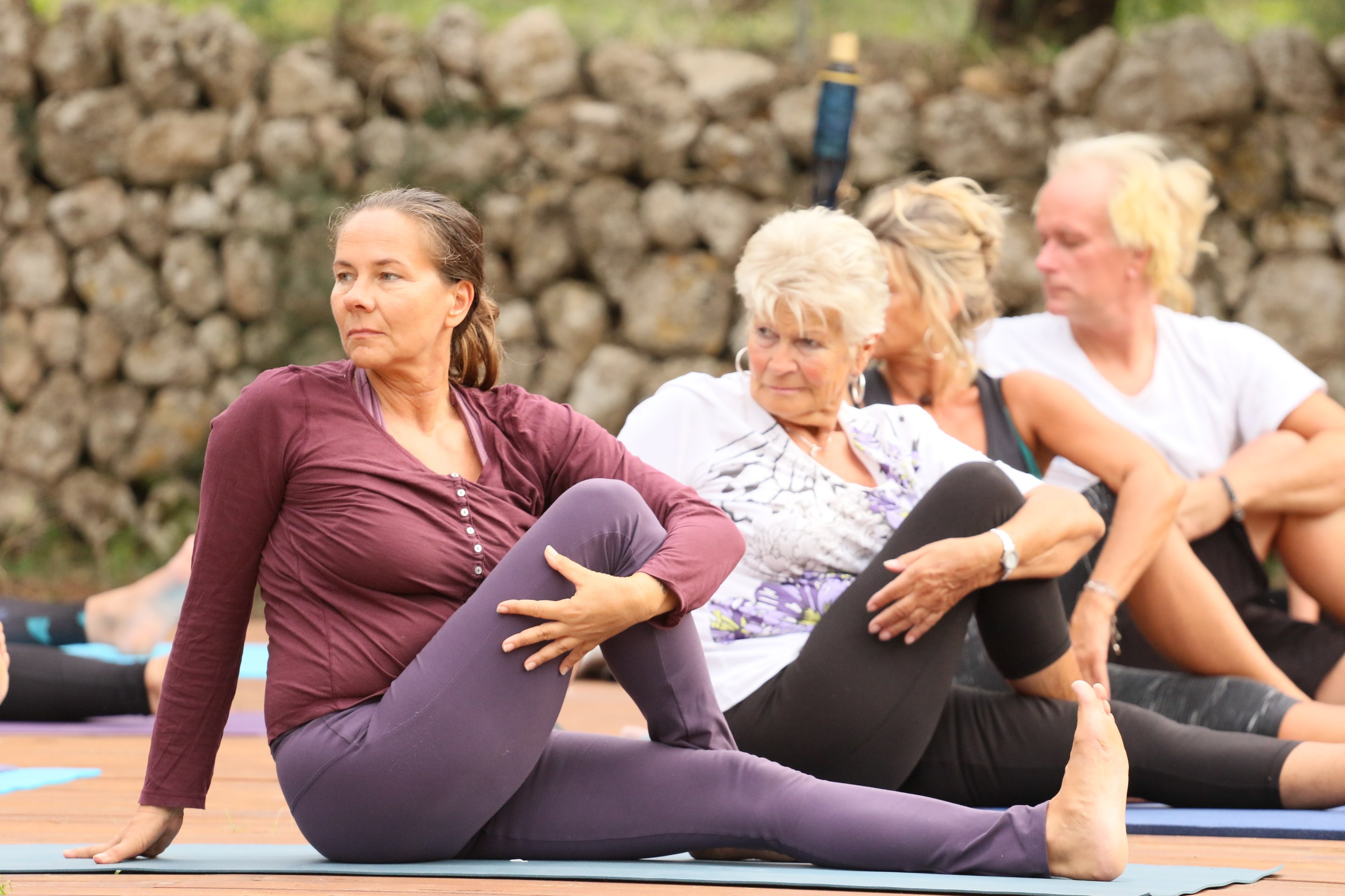 Some Reasons You Should Take Your Yoga Practice Outside