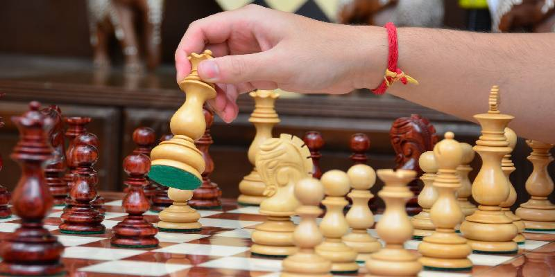 Let's start chess lessons in Abu dhabi with Trainer.ae